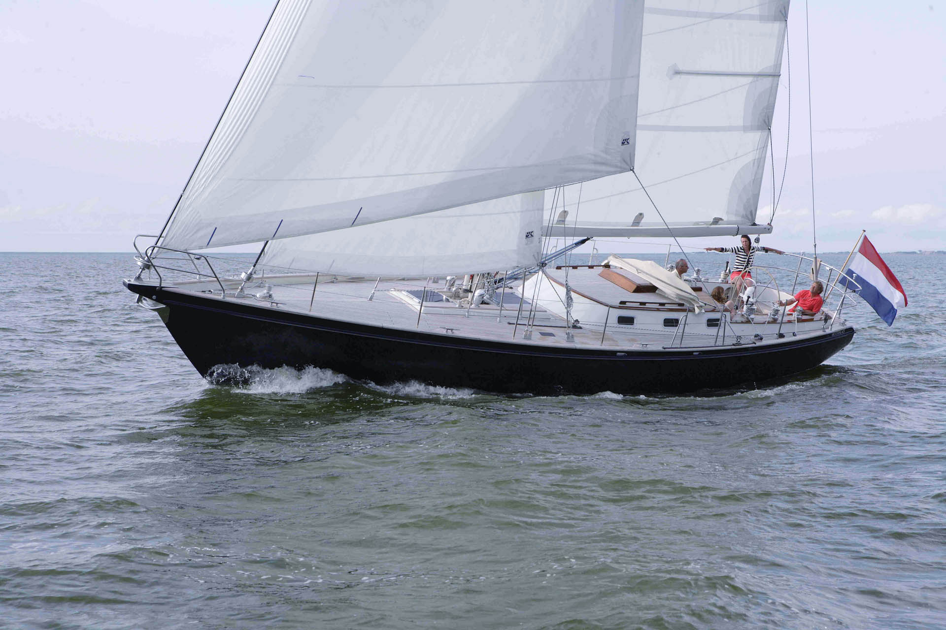 Hutting 45 sailing yacht