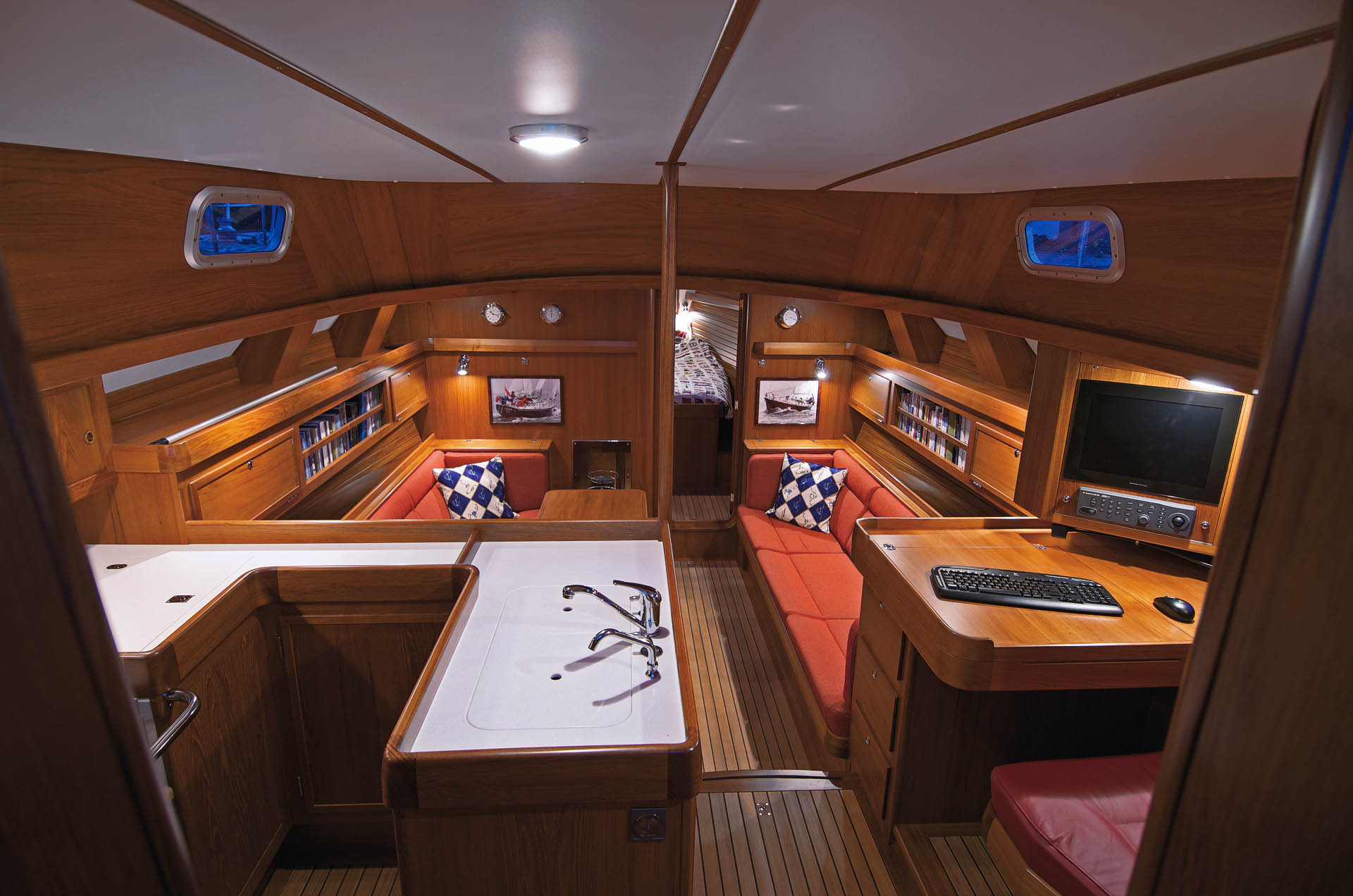 Hutting 45 interior