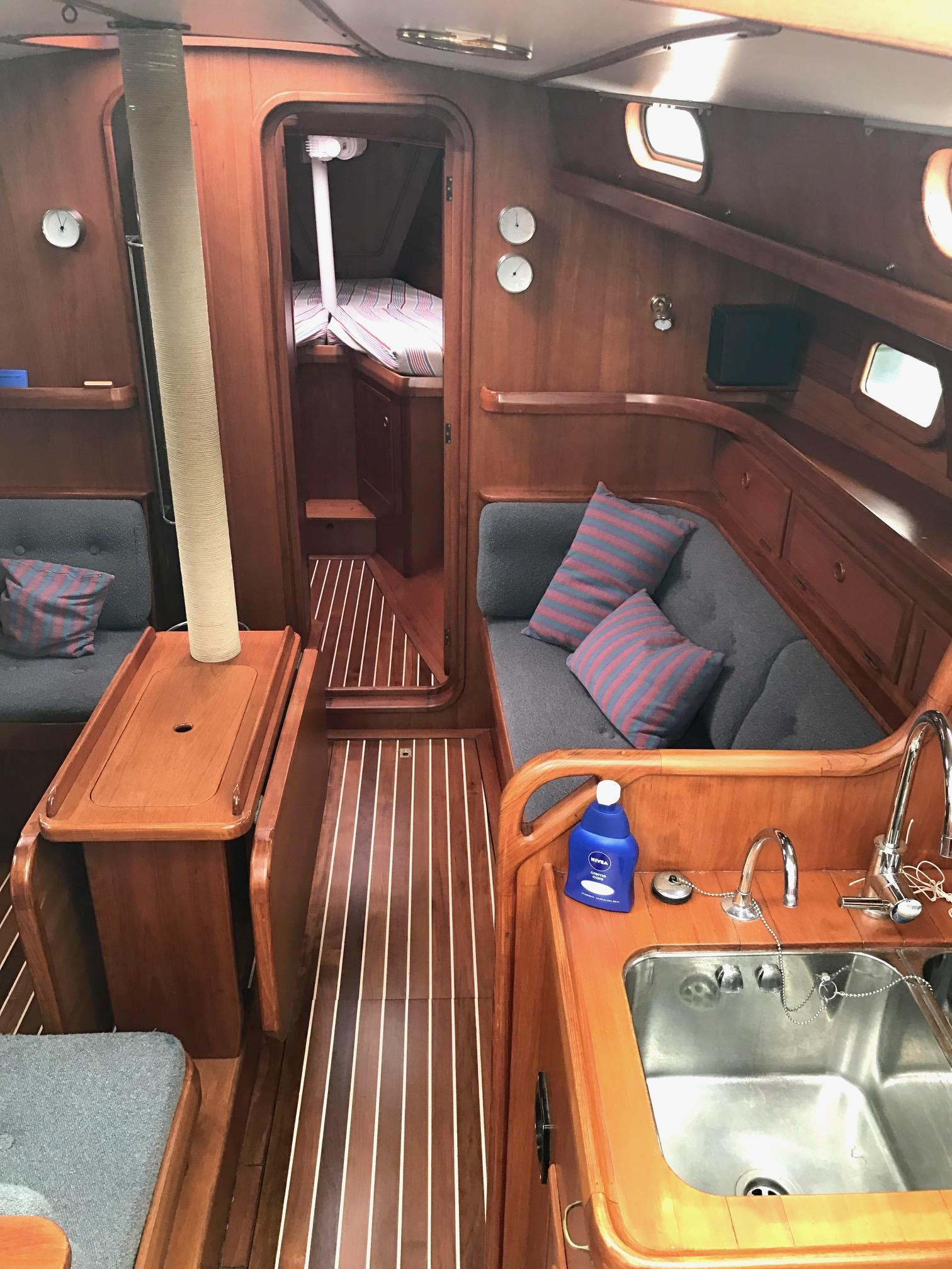 Koopmans 43 aluminium zeilboot explorer jacht interieur