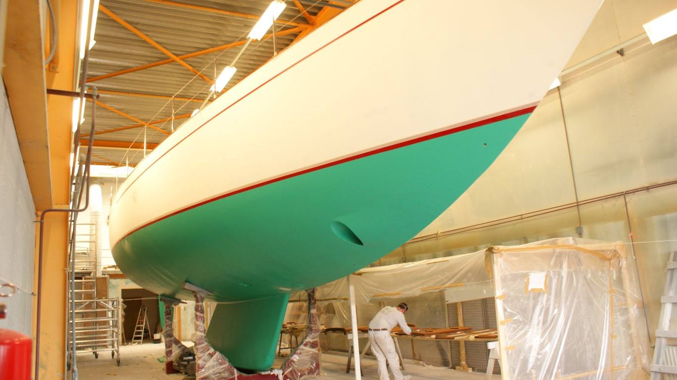 Refit truly classic Hutting Yachts