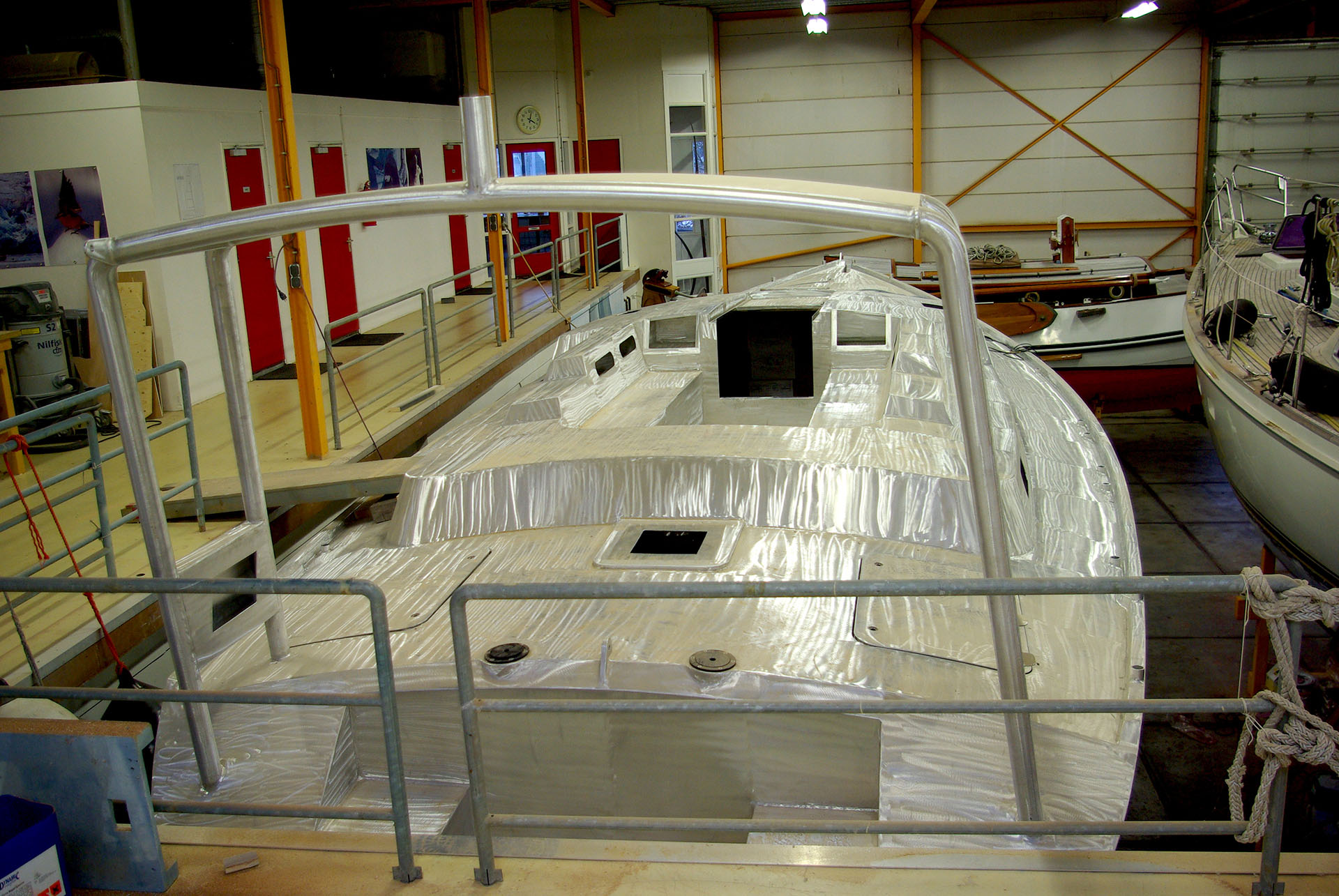 aluminium hull 47 ft explorer yacht custom build