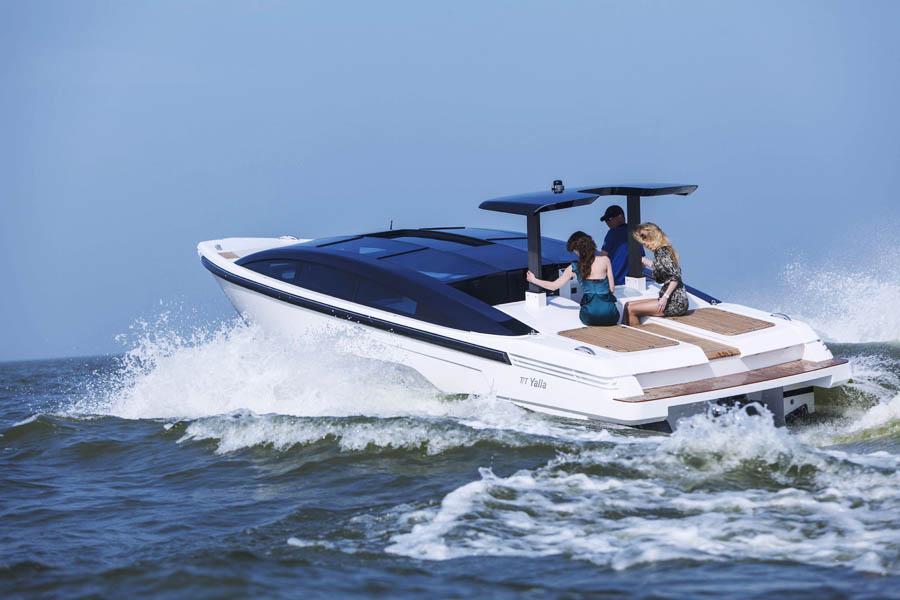 Limo Tender t/t Yalla sailing