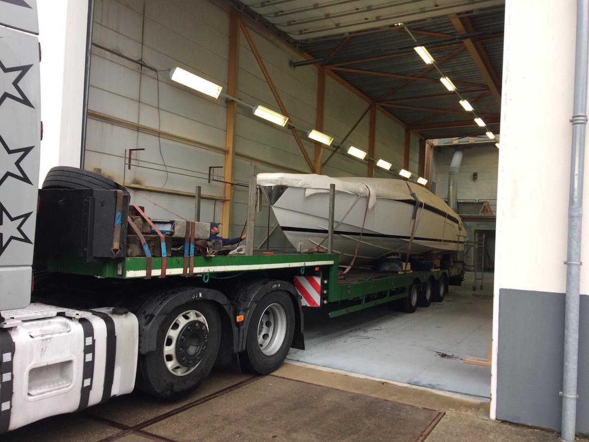 vervoer tender to yalla na refit Hutting yachts