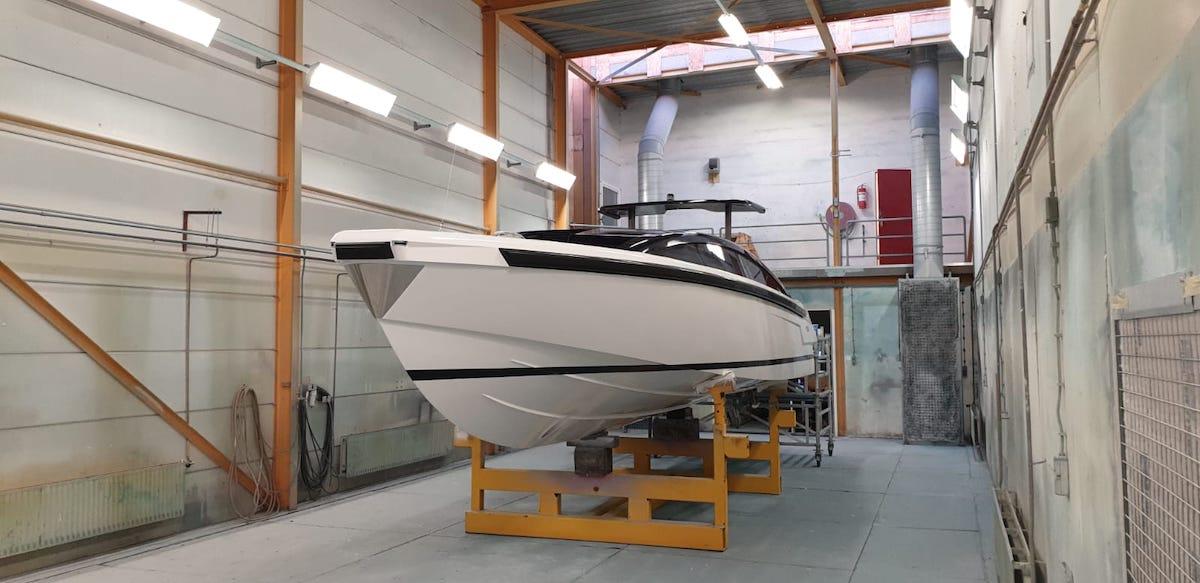 refit en onderhoud Tender to Yalla Hutting Yachts