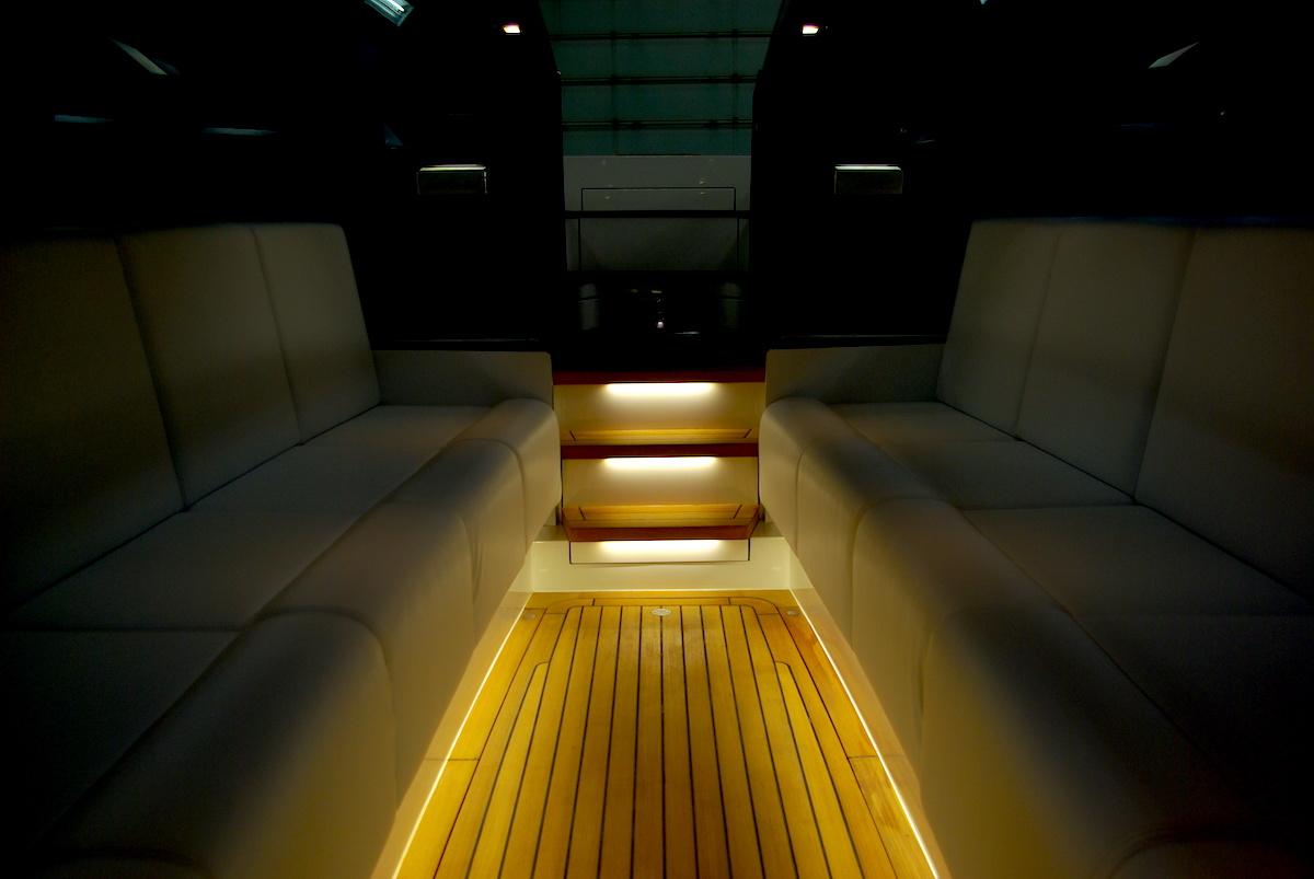 interieur Tender to Yalla Hutting Yachts