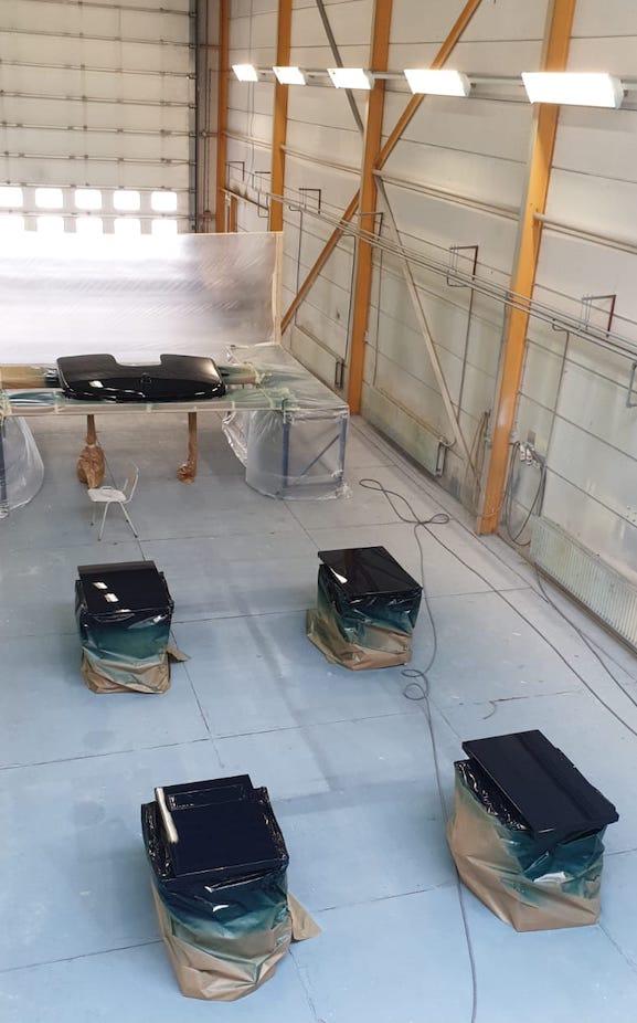 yachtpainting Refit tender to Yalla hutting yachts