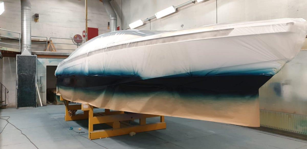 yachtpainting Refit tender to Yalla hutting yachts-jachtschilderwerk
