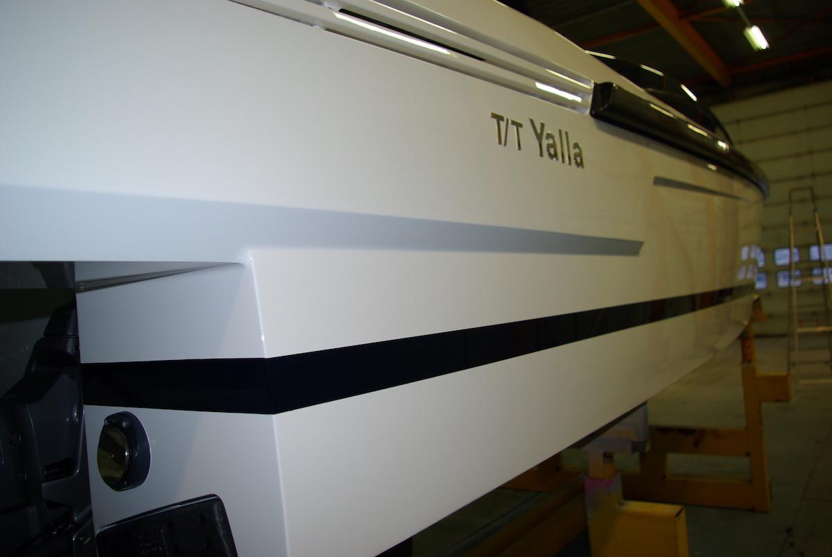 refit en jachtschilderwerk Tender to Yalla Hutting Yachts